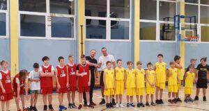 Mecz przyjaźni Akademii Koszykówki w Dębicy oraz DZIKI Basket Mielec