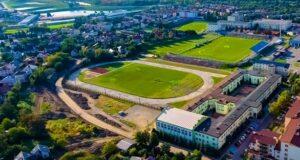 Stadion lekkoatletyczny przy ul. Paderewskiego w Dębicy