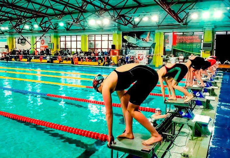 Klubowe Mistrzostwa Polski Juniorów nadębickim basenie