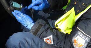 Dębiccy policjanci podczas akcji (fot: KPP Dębica)