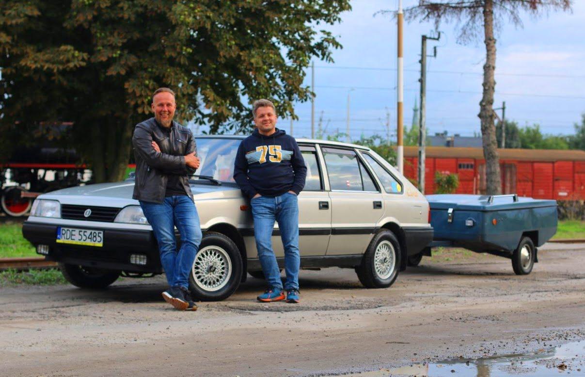 Dawid Rostowski (polewej) iMarcin Kowalik (poprawej) wmęskiej wyprawie zeszlachetnym celem
